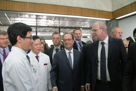 Tổng thống Pháp đến thăm Viện Tim TP.HCM - ảnh 5