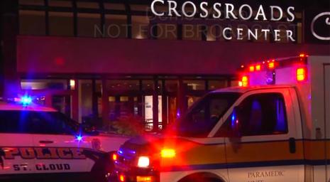 Trung tâm thương mại Crossroads nơi xảy ra vụ tấn công 8 người bằng dao.