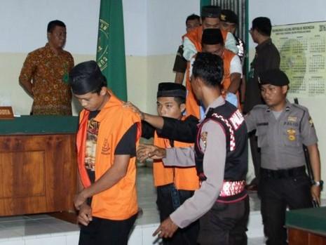 Indonesia chính thức cho 'thiến' kẻ hiếp dâm trẻ em