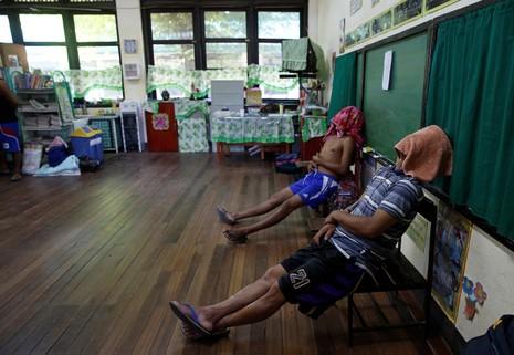 Hé lộ cuộc sống trong các trại cai nghiện Philippines - ảnh 2