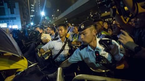 Biểu tình tại Hong Kong leo thang bạo lực - ảnh 5