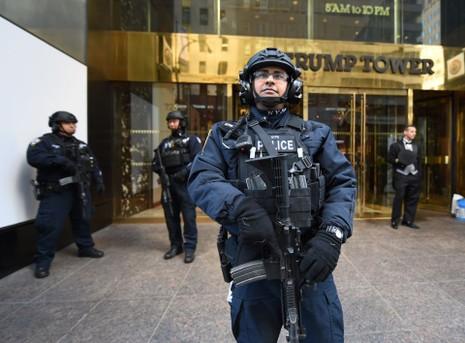 New York tốn 1 triệu USD/ngày để bảo vệ ông Trump - ảnh 1
