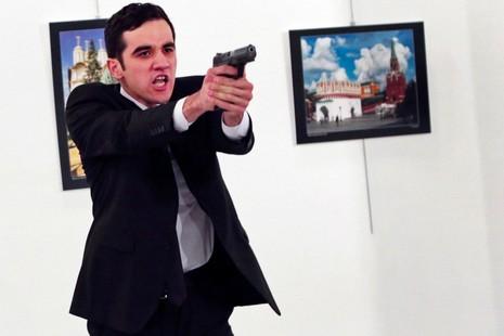 Hung thủ ám sát đại sứ Nga là do người tình giật dây? - ảnh 1