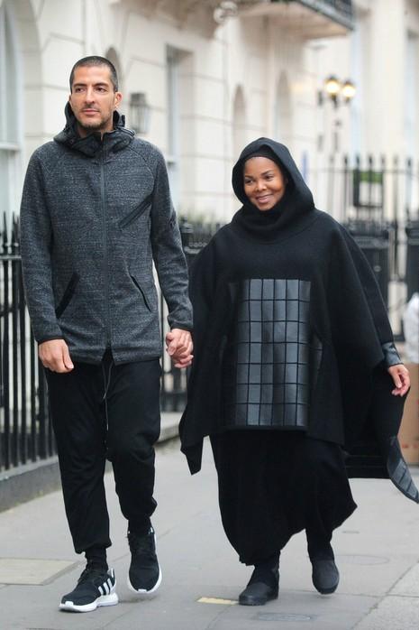 Nữ ca sĩ Janet Jackson sinh em bé ở tuổi 50 - ảnh 1