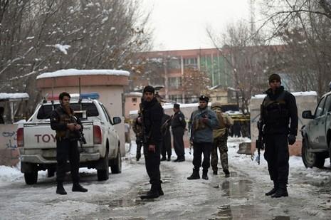 Tòa án tối cao Afghanistan bị đánh bom, 21 người chết - ảnh 1
