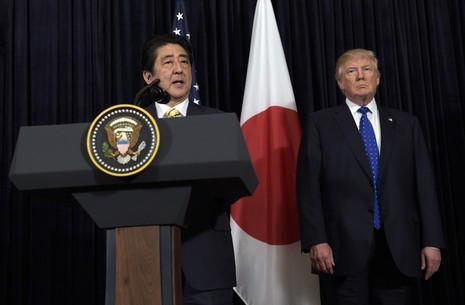 Triều Tiên phóng tên lửa, Trump hứa ủng hộ Nhật 100% - ảnh 1