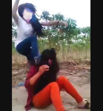 Nữ sinh lớp 8 bị đánh hội đồng dã man  - ảnh 2