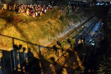 Thanh niên bị tàu hỏa tông rồi kéo lê từ Gò Vấp sang Bình Thạnh - ảnh 1