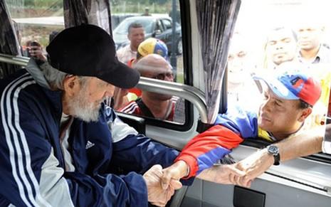 Cựu Chủ tịch Fidel Castro lần đầu xuất hiện sau 14 tháng - ảnh 1