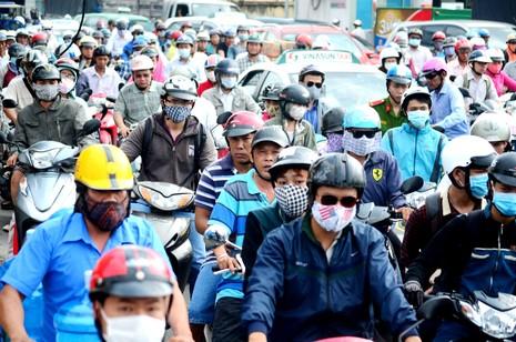 Lần đầu tiên kẹt xe hàng giờ trên đại lộ Phạm Văn Đồng - ảnh 3