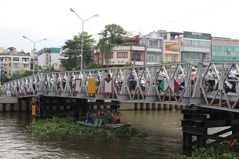 Cầu Trần Khánh Dư sáng chiều đều... kẹt - ảnh 2