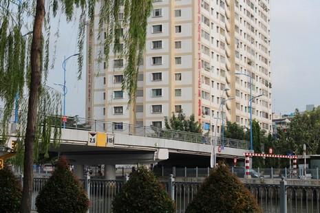 Cầu Trần Khánh Dư sáng chiều đều... kẹt - ảnh 8