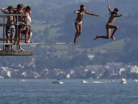 10 quốc gia kém hạnh phúc nhất thế giới - ảnh 1