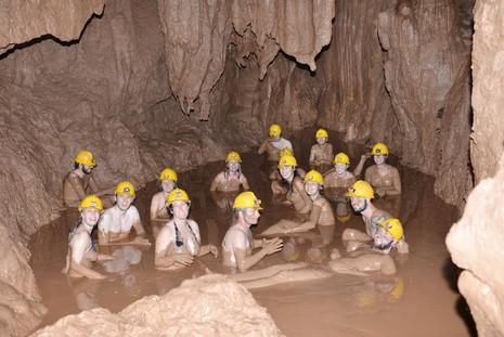 Khám phá 'tắm bùn hang động' tại Phong Nha - Kẻ Bàng - ảnh 2