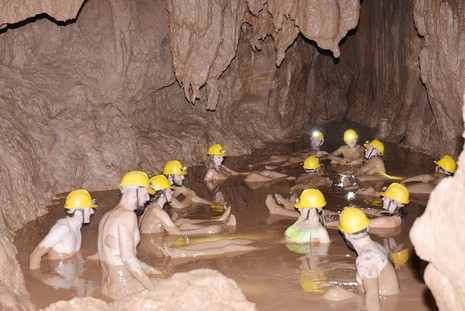 Khám phá 'tắm bùn hang động' tại Phong Nha - Kẻ Bàng - ảnh 4