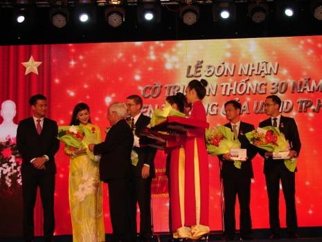 Vợ ông Johnathan Hạnh Nguyễn và tập đoàn IPP nhận huân chương cao quý - ảnh 3