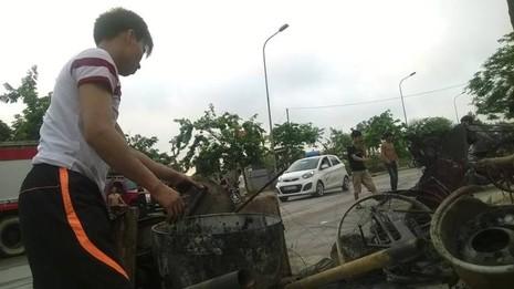 Cháy khủng khiếp trong đêm ở khu lán công nhân, 4.000 người tháo chạy - ảnh 14