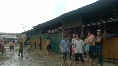 Cháy khủng khiếp trong đêm ở khu lán công nhân, 4.000 người tháo chạy - ảnh 5
