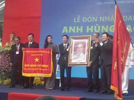 Viện Pasteur TP.HCM đón nhận danh hiệu Anh hùng lao động - ảnh 3