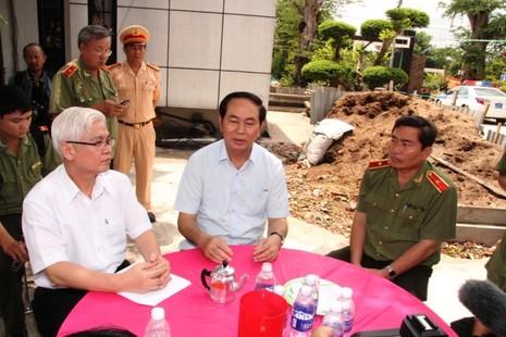 Bộ trưởng Bộ Công an cam kết truy bắt hung thủ trong thời gian sớm nhất - ảnh 4