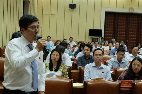 TP.HCM: Nhiều đại biểu muốn dừng thu phí xe máy - ảnh 2