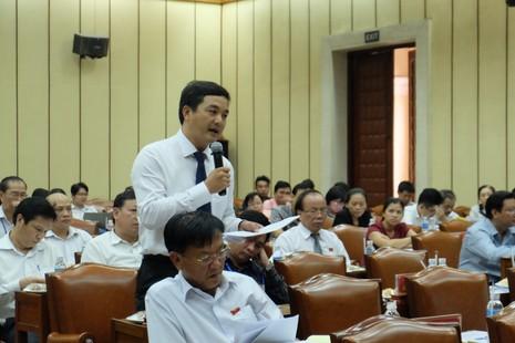 TP.HCM: Nhiều đại biểu muốn dừng thu phí xe máy - ảnh 1
