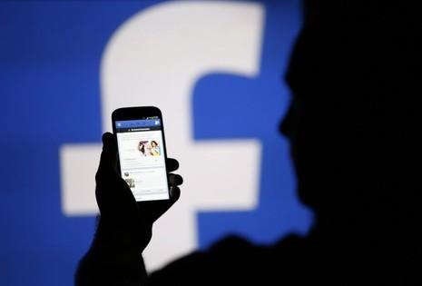 Nhiều người đã dính bẫy lừa đảo tặng quà từ nước ngoài của những người bạn trên facebook - Ảnh minh họa