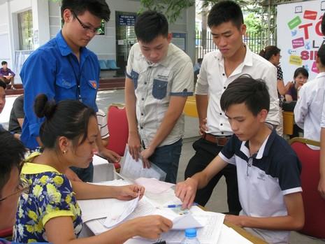Bộ GD&ĐT điều chỉnh thời gian xét tuyển nguyện vọng bổ sung - ảnh 1