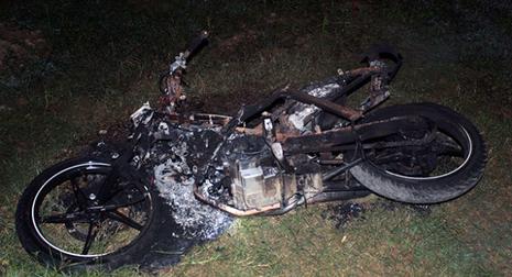 Nhóm thanh niên bị đánh đập, đốt xe không phải là ăn trộm - ảnh 1