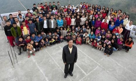 Người đàn ông có 39 vợ và 127 con cháu sống chung nhà - ảnh 1