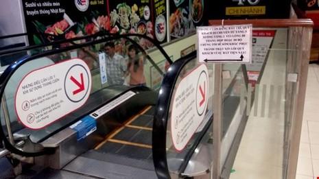 Lotte Mart quận 7 xin lỗi vụ sập thang cuốn - ảnh 1
