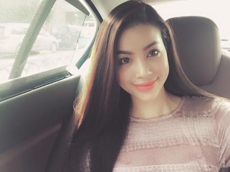 Phạm Hương vẫn quyến rũ dù không trang điểm