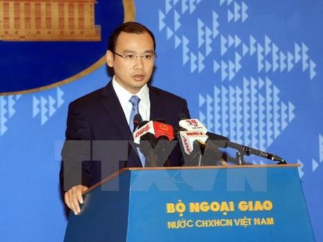 Trao công hàm phản đối việc Trung Quốc đưa tên lửa đến Hoàng Sa - ảnh 1