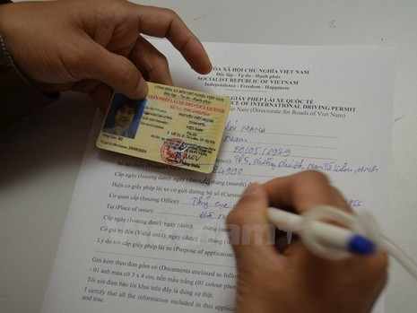 TP.HCM triển khai cấp giấy phép lái xe quốc tế - ảnh 1