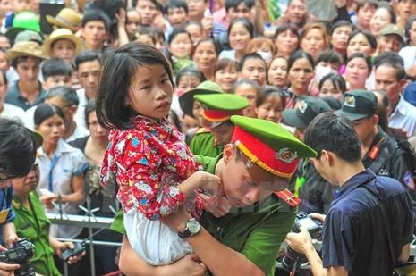 Hình ảnh đẹp về các chiến sĩ công an ở lễ hội đền Hùng - ảnh 3
