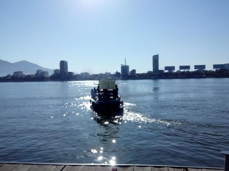 Sáng nay, khẩn cấp tìm kiếm 3 nạn nhân mất tích trong vụ chìm tàu du lịch - ảnh 13