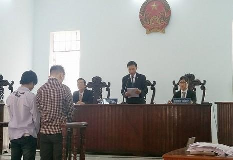 Mức án bất ngờ dành cho 'chủ mưu' vụ cướp giật bánh mì - ảnh 1