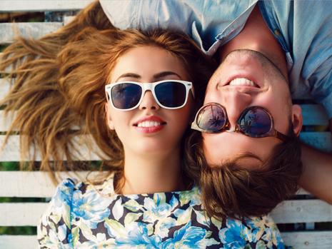 Vì sao các đôi hạnh phúc ít chia sẻ trên mạng xã hội - ảnh 1
