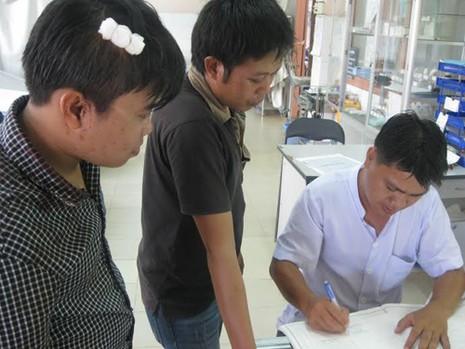 Khởi tố vụ án hai phóng viên báo Giao thông bị côn đồ hành hung - ảnh 1
