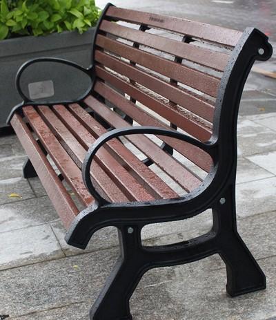 Lắp đặt băng ghế trên phố đi bộ Nguyễn Huệ - ảnh 3