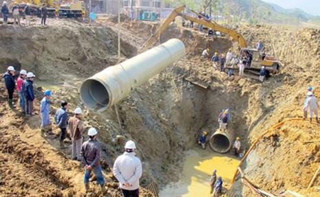Thêm 7 bị can trong vụ vỡ đường ống nước sông Đà bị khởi tố - ảnh 1