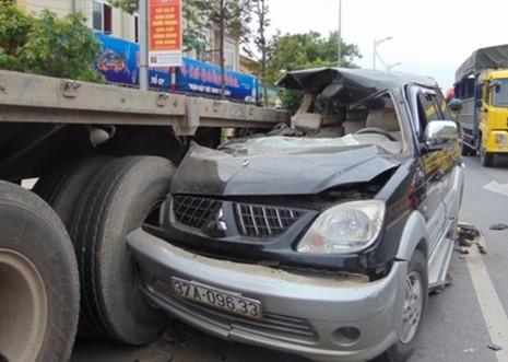 Tạm giữ tài xế ngủ gục làm 3 người chết, 5 người bị thương - ảnh 1