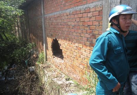 Clip bị truy đuổi, ba thanh niên tông vào tường nhà thương vong - ảnh 2