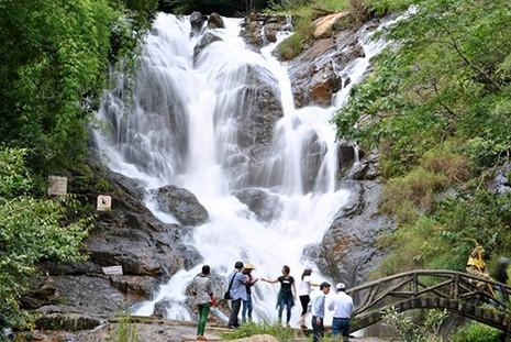 3 du khách nước ngoài tử nạn tại thác Datanla, Đà Lạt - ảnh 1