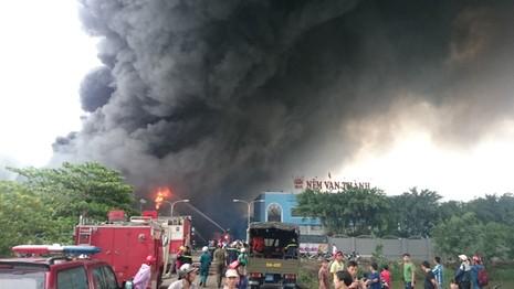 Cháy lớn tại Công ty Nệm Vạn Thành - ảnh 6
