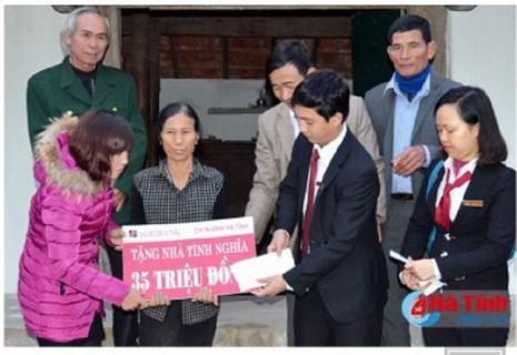 Agribank Hà Tĩnh: Xây nhà tình nghĩa tặng hộ nghèo  - ảnh 1