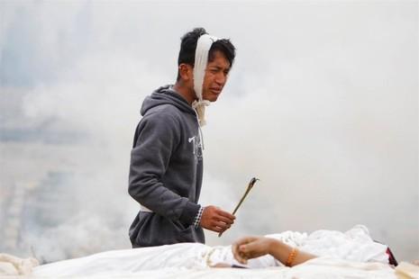 Thủ đô Nepal dịch chuyển 3m, 3.700 người chết - ảnh 2