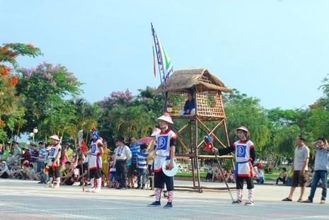 Độc đáo cờ người xứ Huế - ảnh 2