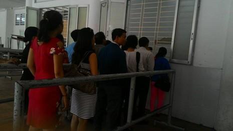 Trường THPT chuyên Trần Đại Nghĩa bắt đầu phát đơn dự tuyển vào lớp 6 - ảnh 1