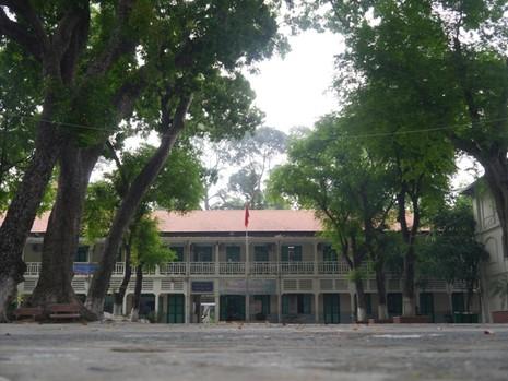 Độc đáo những ngôi trường trăm tuổi ở Sài Gòn - ảnh 11